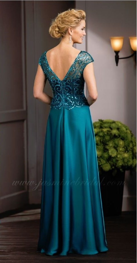 mother of the bride, deep turquoise ball gown, sweet heart and V-neckline, straps, back
