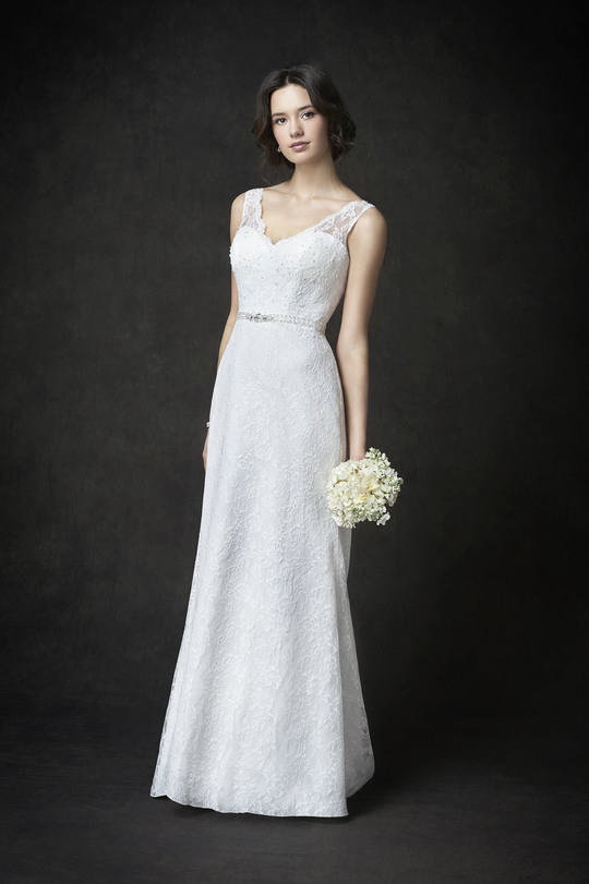 white wedding dress, lace top layer, sweet-heart neckline, round tail, A-line gown, straps